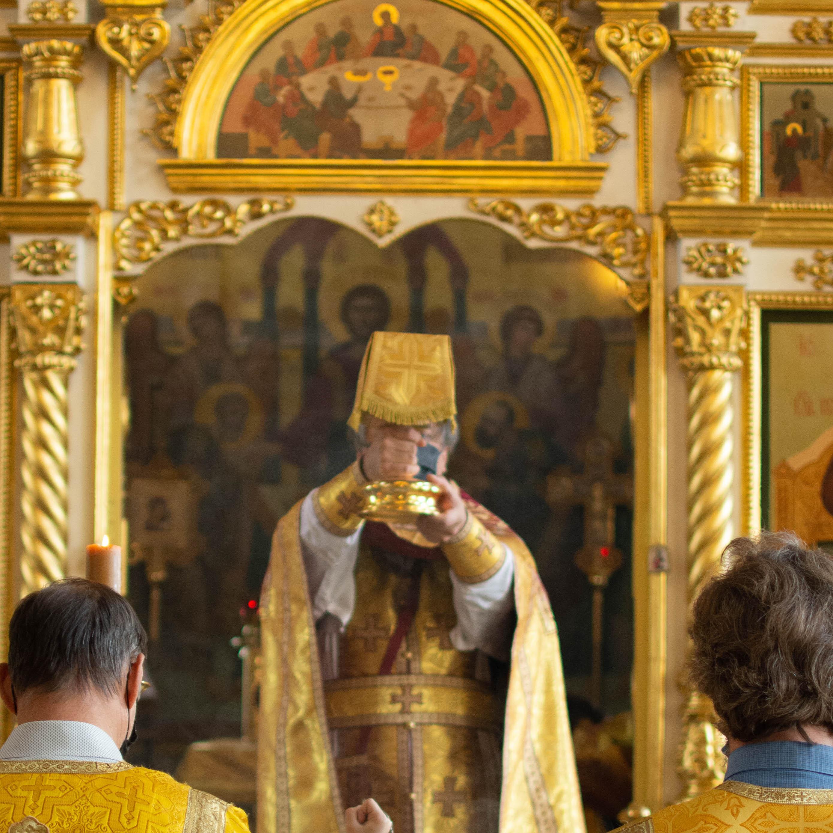 Божественная литургия в Неделю пред Воздвижением